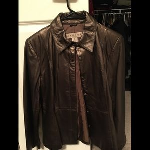 Leather jacket apostrophe